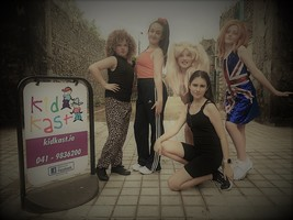 The Spice Girls Visit Kidkast